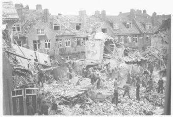 Geallieerde bombardementen in Amsterdam-Noord op de Fokkerfabriek in juli 1943