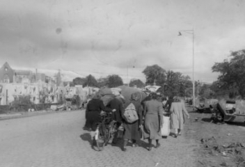 Vluchten uit Overloon op last van de bezetter
